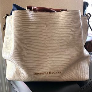 Dooney & Bourke pebbled leather bag, Authentic!
